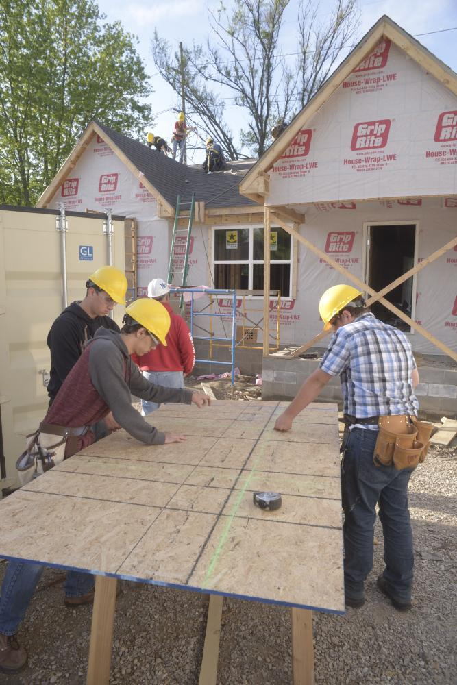 Work+begins+on+second+student-built+home+in+west+side+neighborhood