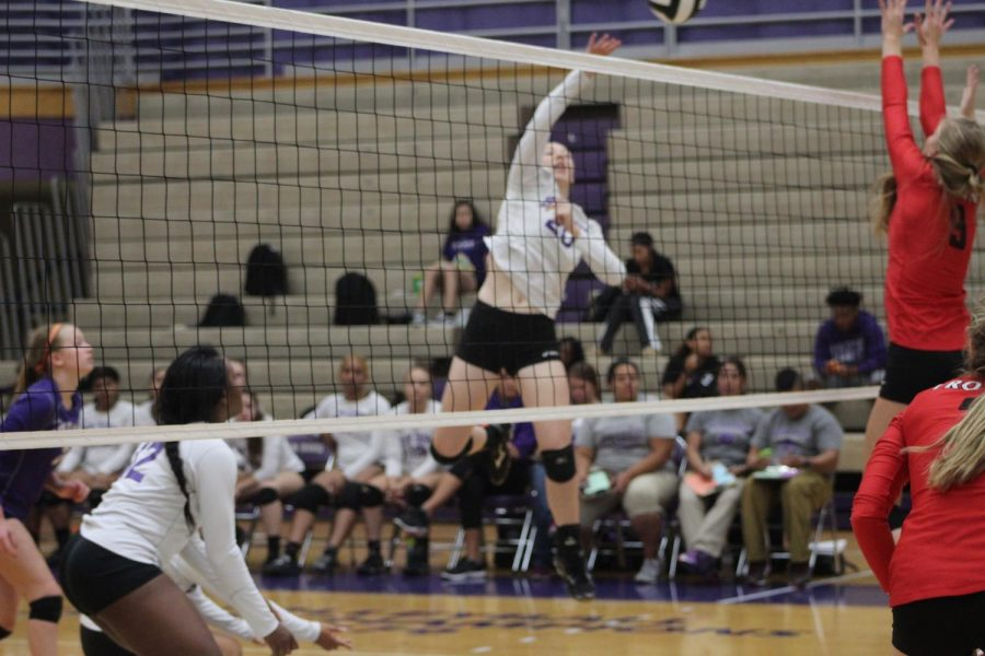 Gallery%3A+Volleyball+vs.+Center+Grove
