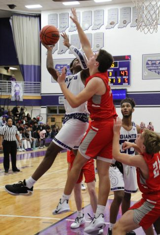 Giants come close in state game