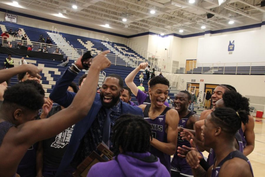 Giants capture sectional crown